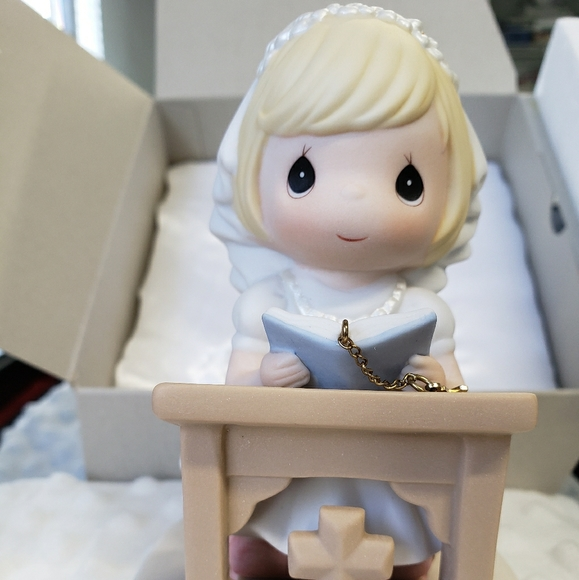 Holy Communion  Gift precious moments girl
